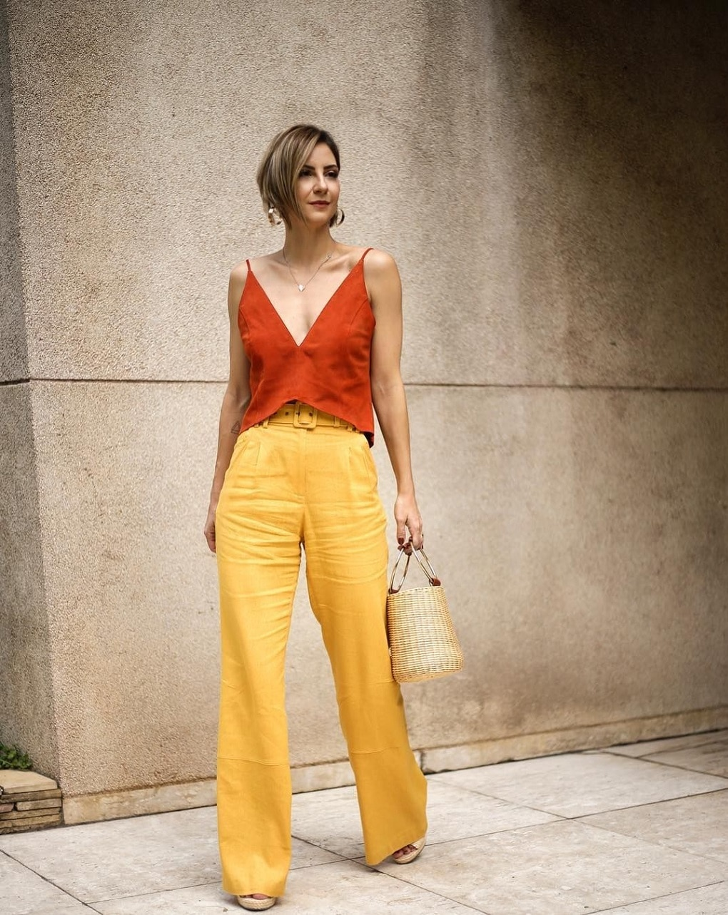 Roupas Femininas, Look Com Macacão Monocromático, looks para happy hour, looks happy hour, do escritório para o happy hour,Macacão Rosa Para o Happy Hour, Macacão Azul Para o Happy Hour